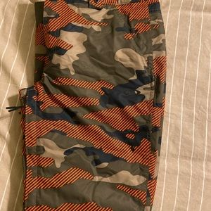 Oakley Men's size Large Ski pants